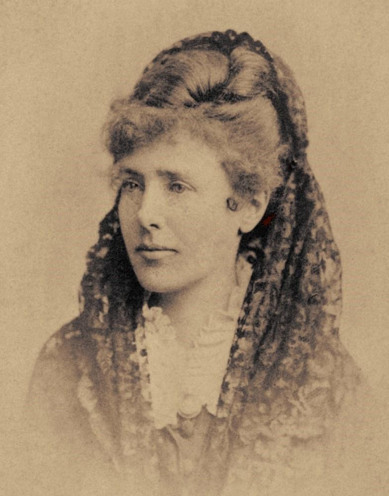 Fig. 1 Kate Field. Photo: Charles Reutlinge, 1868. From Wikimedia Commons, made available by Library of Congress Prints and Photographs Division Washington, DC, LOT 13301 no. 188.