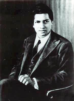 Srinivasa Ramanujan (1887-1920) Ramanujan s Approximation of π Ben Lynn from Stanford University stated Its my favourite formula