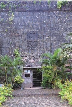 Stone Heritage of East and Southeast Asia km from Intramuros, along Roxas Boulevard is Fort San Antonio Abad, which was originally constructed in 1584.