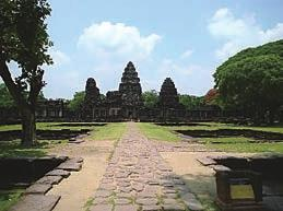 Stone Heritage of East and Southeast Asia Figure 15. Chala Passage Way (left) and the principal tower (right) of the Phimai temple. Figure 16.