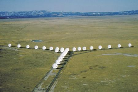 Radio ( & Microwave) Astronomy Very Large Array (VLA) Image courtesy of NRAO/AUI Very cold objects, traces