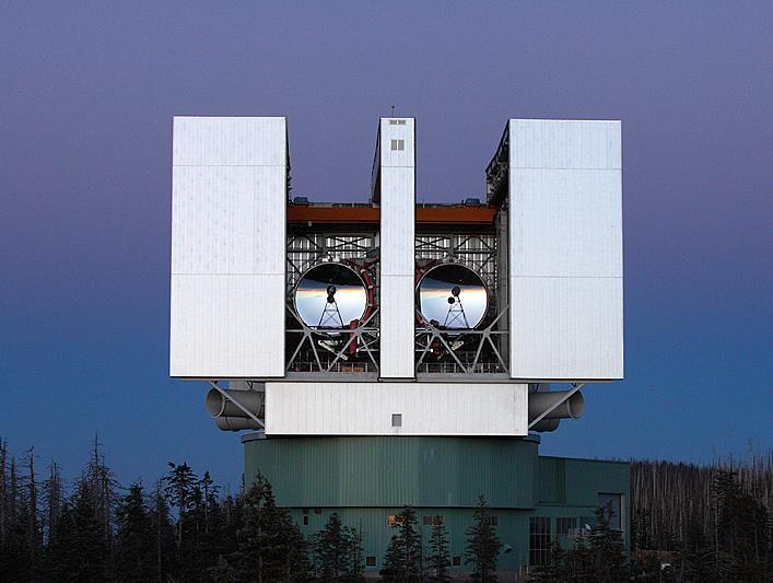 Telescopes Telescopes Key Concepts 1) A refracting telescope uses a lens to gather light; a reflecting