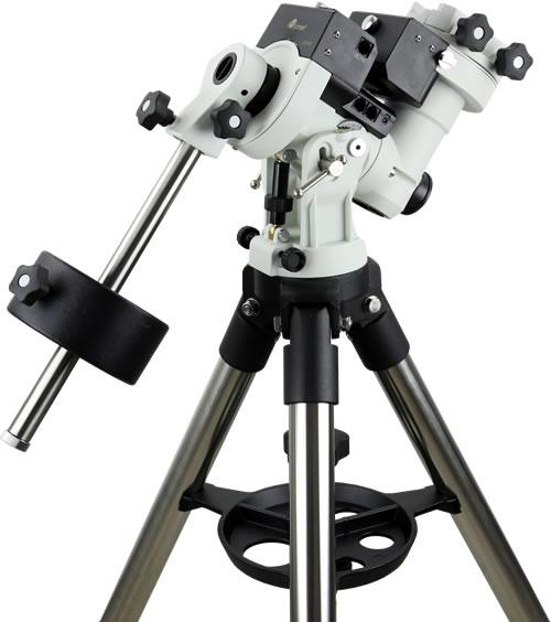 Quick Start Guide CEM25 Center Balanced GoTo Equatorial Mount Models: #7100E, #7102E PACKAGE CONTENTS 1 Telescope mount with GPS, and AccuAlign TM dark field illuminated Polar Scope Hand controller