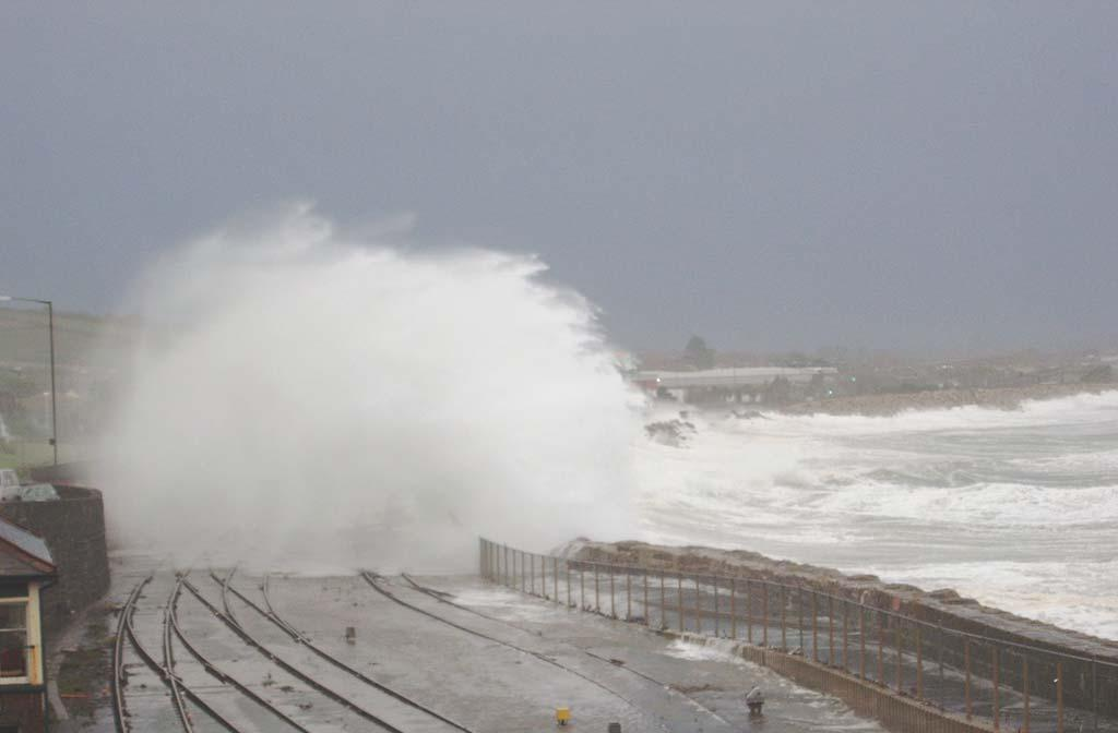 Weather Phenomena: 2004 Thursday 28 October 2004 High winds and heavy rain in Devon & Cornwall Widespread flooding