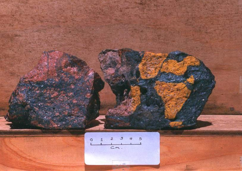 Hematite with clasts of K-spar