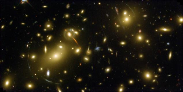 bright galaxies Clusters: 30 to 300+ bright galaxies Sizes: 1-10 Mpc across Distant Rich Cluster (Hubble Space