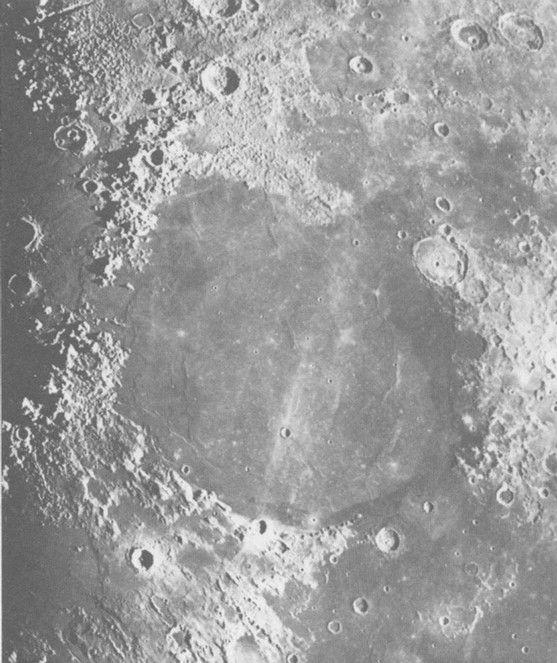 Mare Serenitatis Low sun angle to measure albedos Note different albedo flows, almost concentric