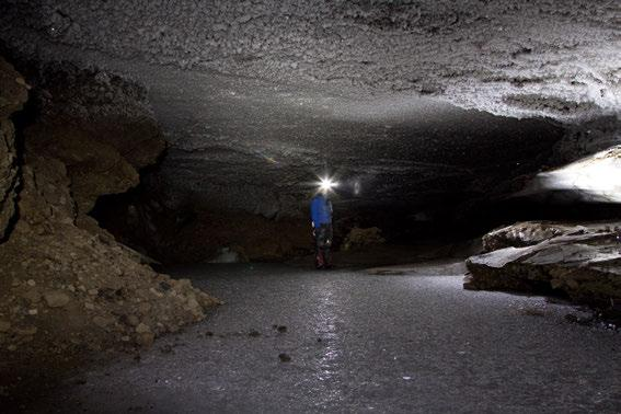 289 In 20 and 202 speleological mapping of 3 different caves has been conducted in Tellbreen, a cold-based glacier in central Spitsbergen, Norway.