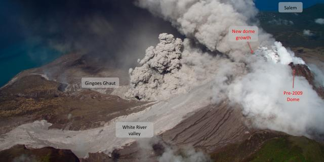 Activity Report - 4 November 2009 Pyroclastic flows in Gingoes Ghaut A helicopter observation flight on Wednesday on November 4, 2009 revealed that pyroclastic flows are now travelling directly into