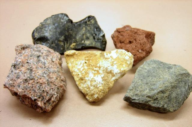 Igneous Rocks How do igneous rocks differ from one another?