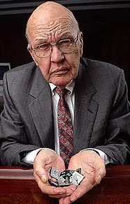 Jack St. Clair Kilby (November 8, 1923 - June 20, 2005) won a Nobel Prize in physics in 2000 for his invention of a new type of circuit.