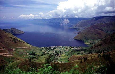 Toba Caldera about 100 km long and 30 km across, with resurgent dome