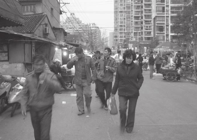 Shanghai borderlands: a new urbanity? 195 Plate 12.