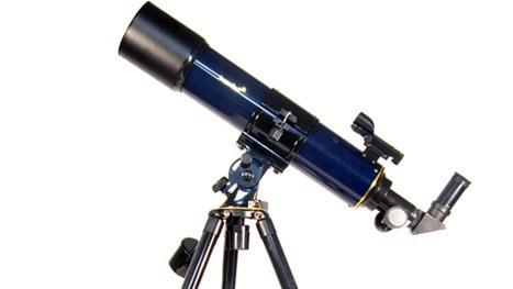 2. While holding the telescope with one hand, loosen the R.A. and Dec. lock knobs with the other. Rotate the telescope until the counterweight is horizontal to the ground 3. Tighten the Dec.